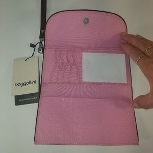 Baggallini large leather wallet